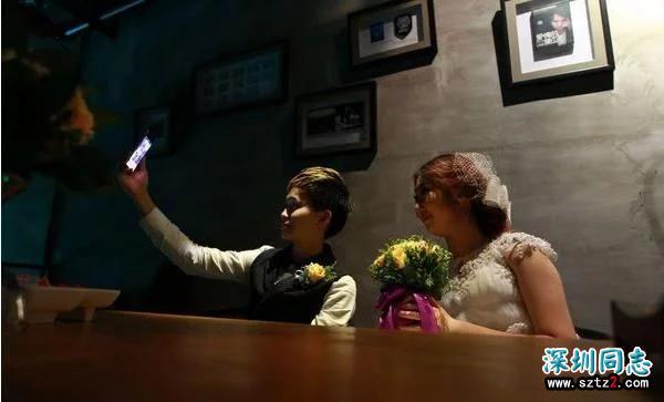镜头下:女同性恋人的私下婚礼