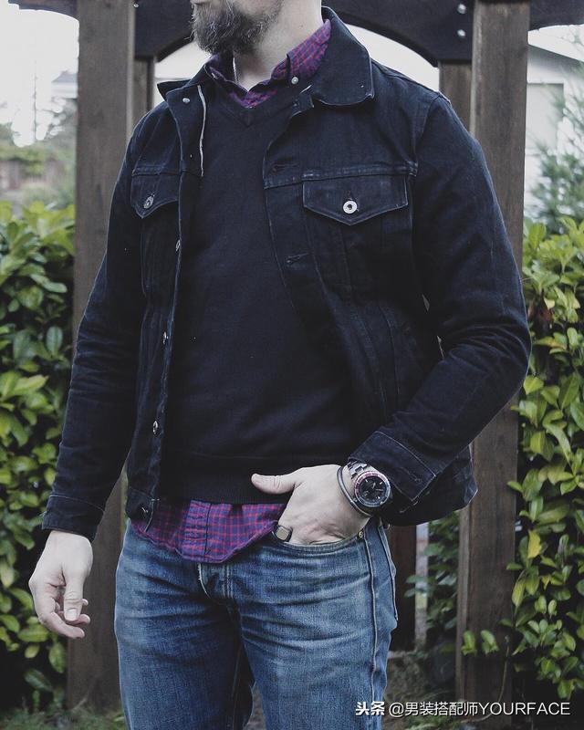 男生格子衬衫和皮夹克这样搭配最好看,想穿的有型的朋友可以学习