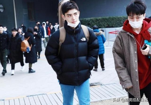 陈飞宇一身休闲装现身北电复试,阳光大男孩就这样穿搭